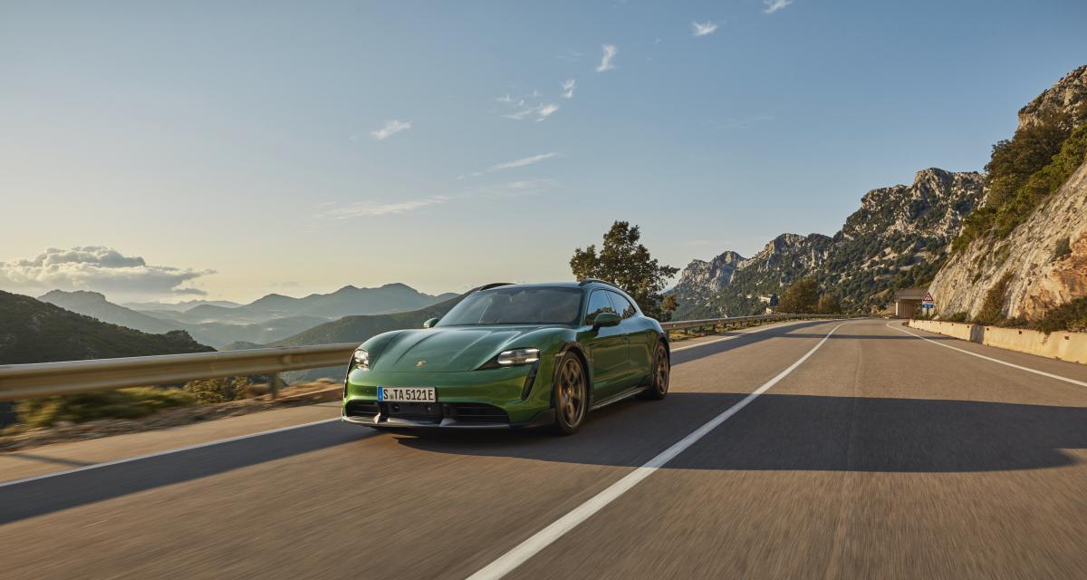 Nouvelle Porsche Taycan Cross Turismo (2021) : la sportive électrique passe au break !