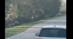 En pleine crise d'hypoglycémie, il termine sa course dans le canal au volant de sa Ford Mustang