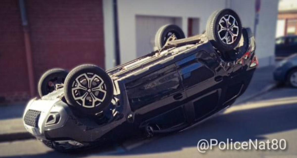 """À 13 ans, il """"emprunte"""" la voiture de sa mère et termine sa course sur le toit"""