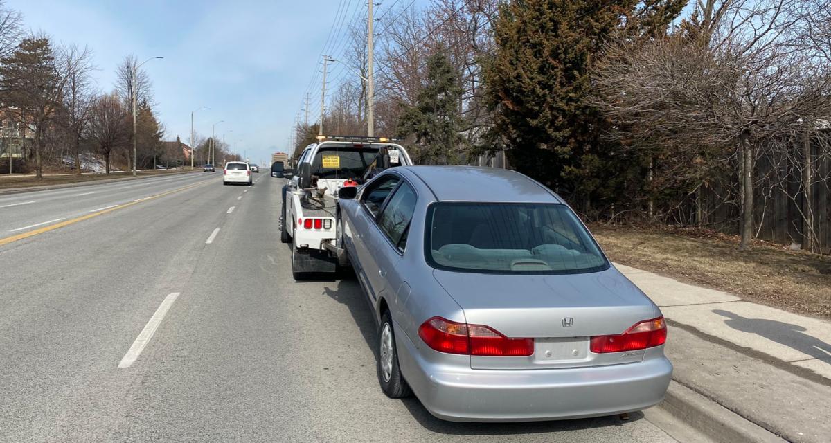 Il roulait sans assurance, la police de l'Ontario l'arrête deux fois en 20 minutes