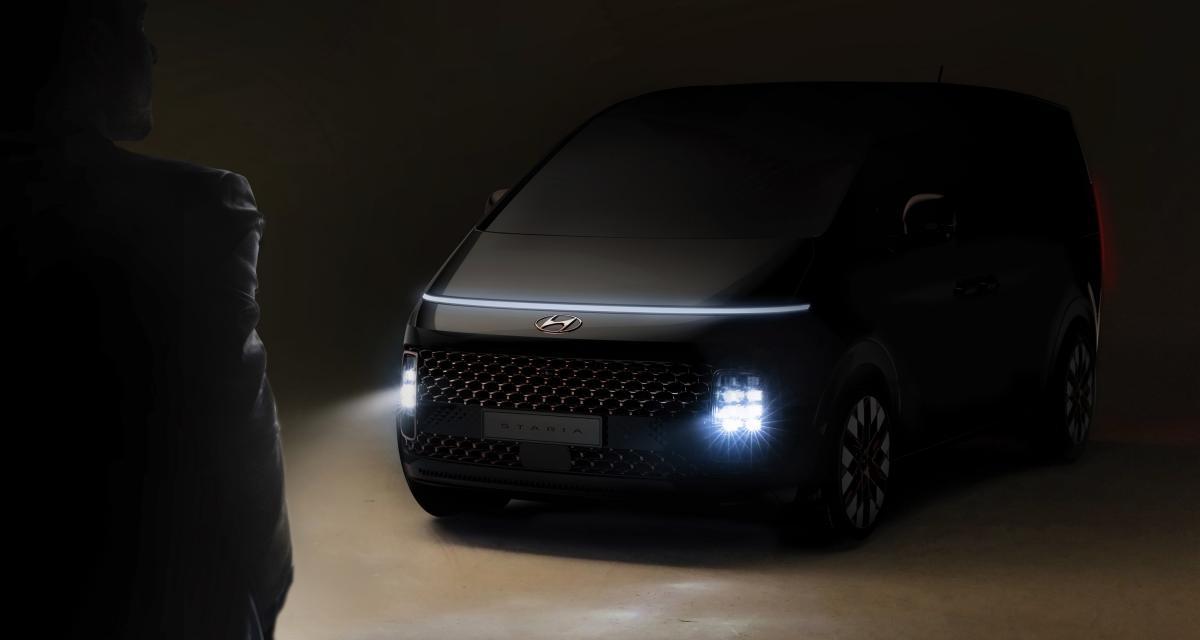 Staria : le nouveau minibus futuriste signé Hyundai