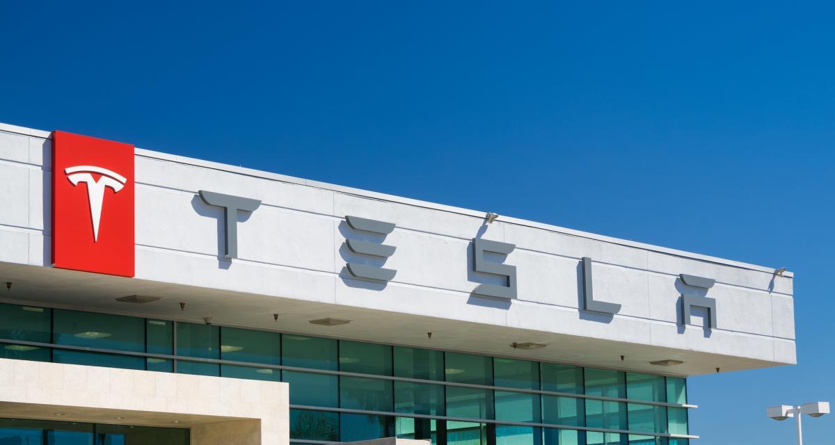 L'Autopilot de Tesla encore pris en défaut, cette fois avec une voiture de police