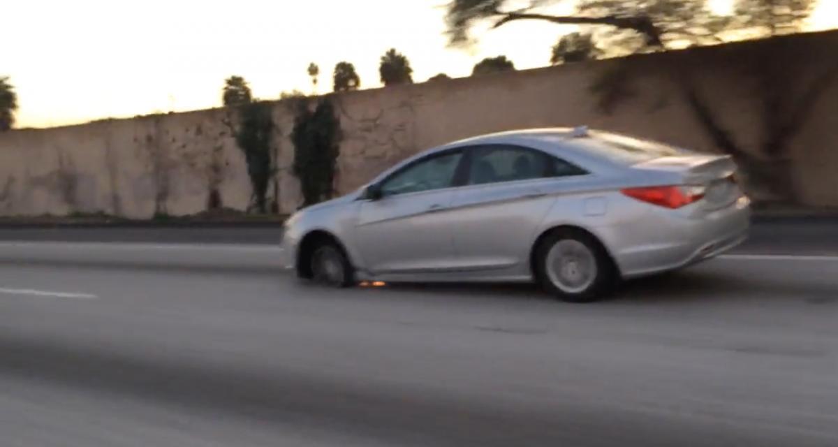 VIDEO - À 130 km/h sur l'autoroute et sur une jante, on a rarement vu aussi inconscient