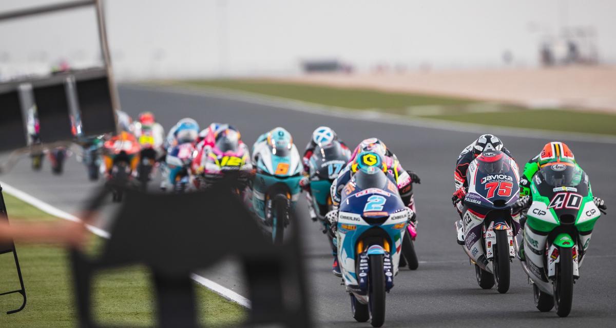 GP du Qatar de Moto 3 : le départ de la course en vidéo