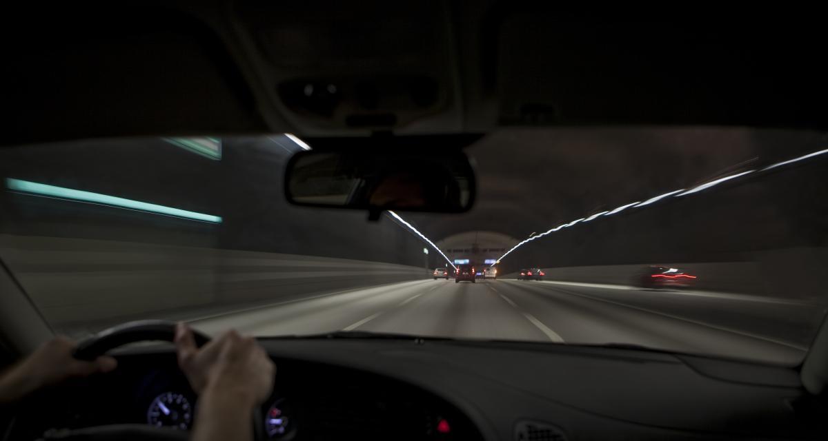 À 120 km/h et sans permis, il est filmé au volant de la voiture de son père, commissaire de police