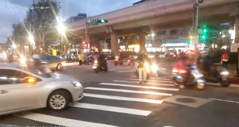 VIDEO - À Taïwan, pour les piétons c'est la loi du plus fort qui s'applique