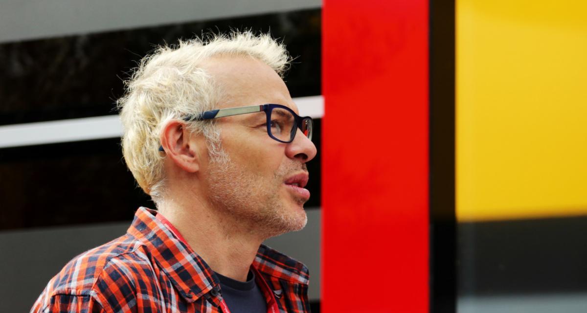 """Scuderia Ferrari - Jacques Villeneuve : Sainz """"peut donner du fil à retordre à Leclerc"""""""