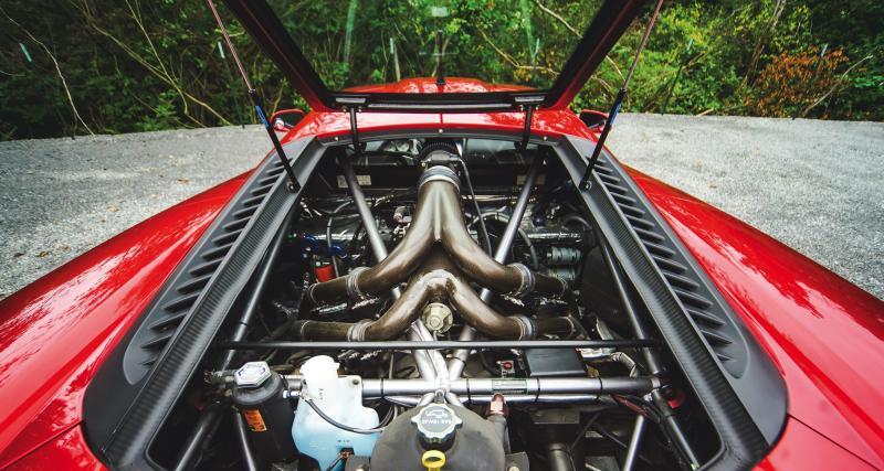 V8 atmo puis bi-turbo