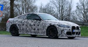 Future BMW M4 CSL : la sportive allemande aperçue sous camouflage !