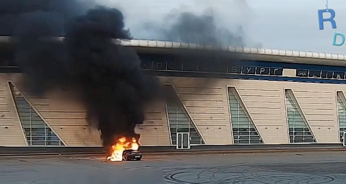 VIDEO - La session drift avec sa BMW se termine par un incendie