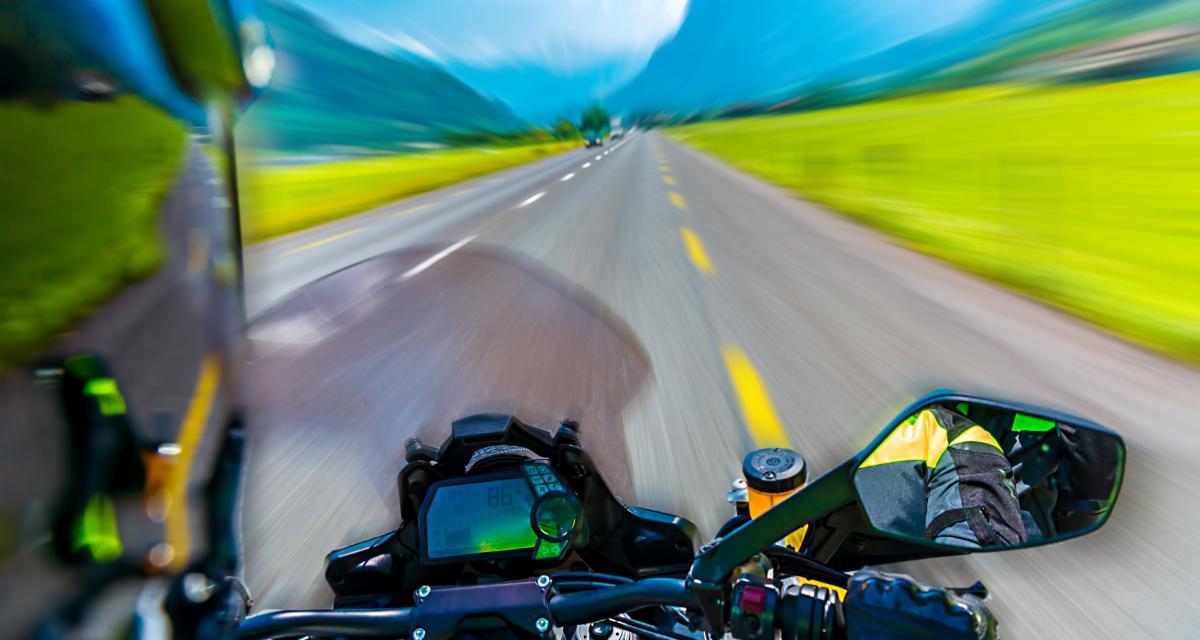 Fou du guidon : à 210 km/h au lieu de 110, ce motard peut dire adieu à son permis de conduire