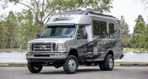 Ford E450 Overland Camper : d'ambulance à camping-car 4x4 !