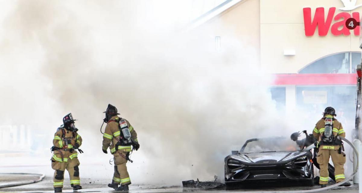 VIDEO - Une McLaren 765 LT complètement ravagée par les flammes et avec seulement 160 km au compteur