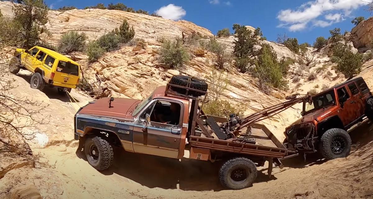 VIDEO - Admirez ce sauvetage impressionnant d'une Jeep coincée au fond d'un canyon