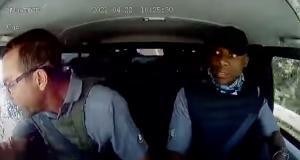 VIDEO - Le conducteur de ce fourgon blindé échappe avec brio à un braquage sur l'autoroute
