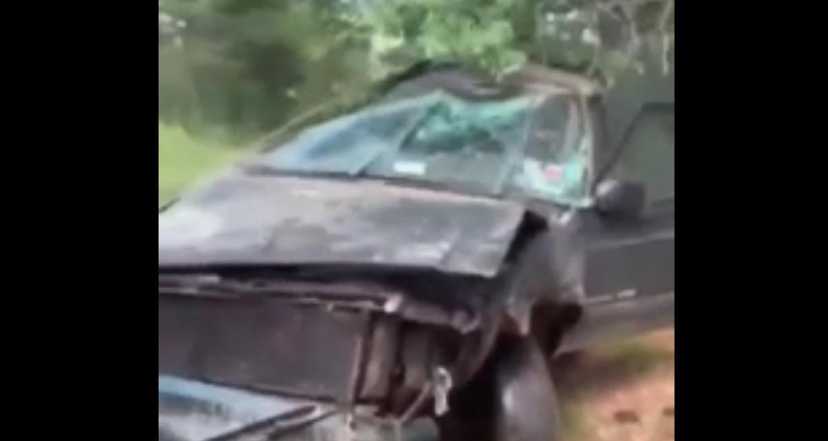 VIDEO - La cascade tourne très mal, mais le conducteur s'en sort miraculeusement