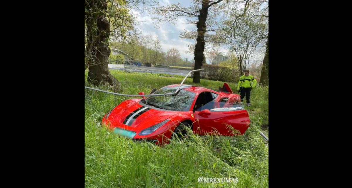 La pépite du jour : il tente de frimer avec sa Ferrari, il termine dans le fossé