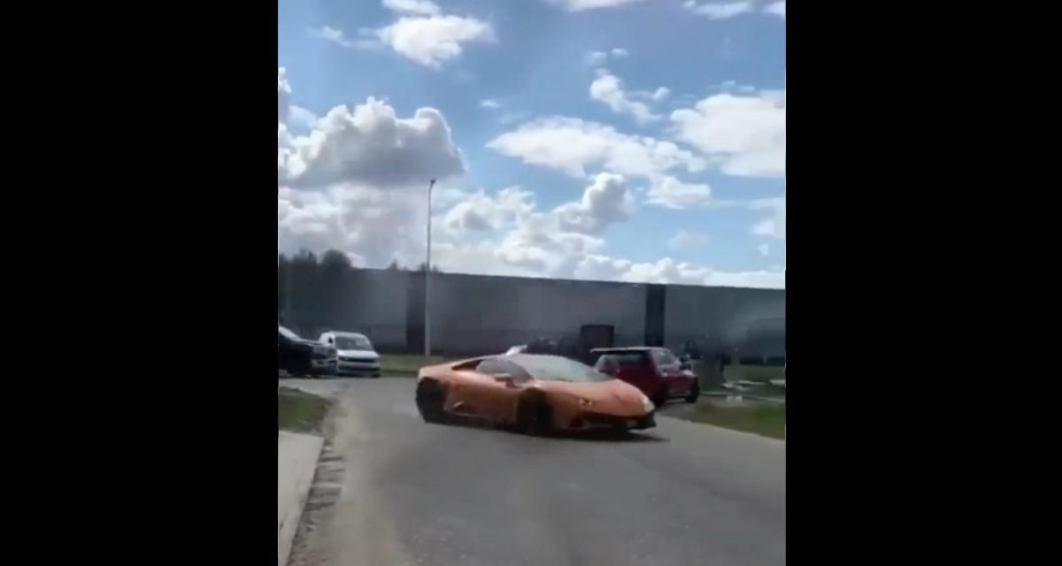 La pépite du jour : il loupe son drift en Lamborghini Huracan EVO et finit dans une barrière de chantier