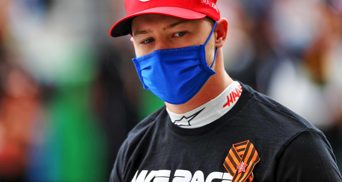 GP d'Espagne de F1 : pourquoi Nikita Mazepin s'est agenouillé avant la course ?