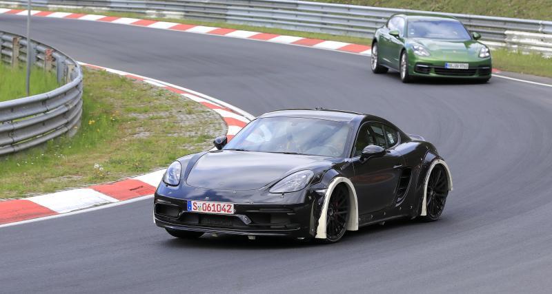 """Porsche Cayman (2024) : une """"mulet"""" de développement tourne déjà sur le 'ring"""