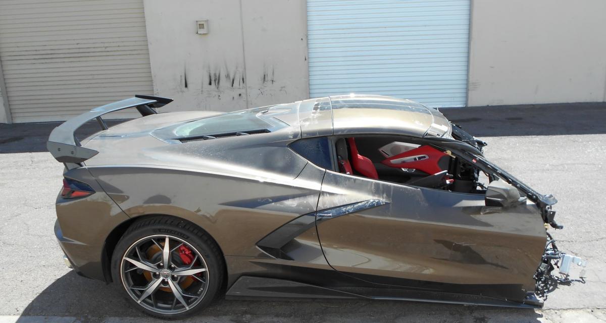 Même coupée en deux après un accident, cette Corvette C8 est à vendre