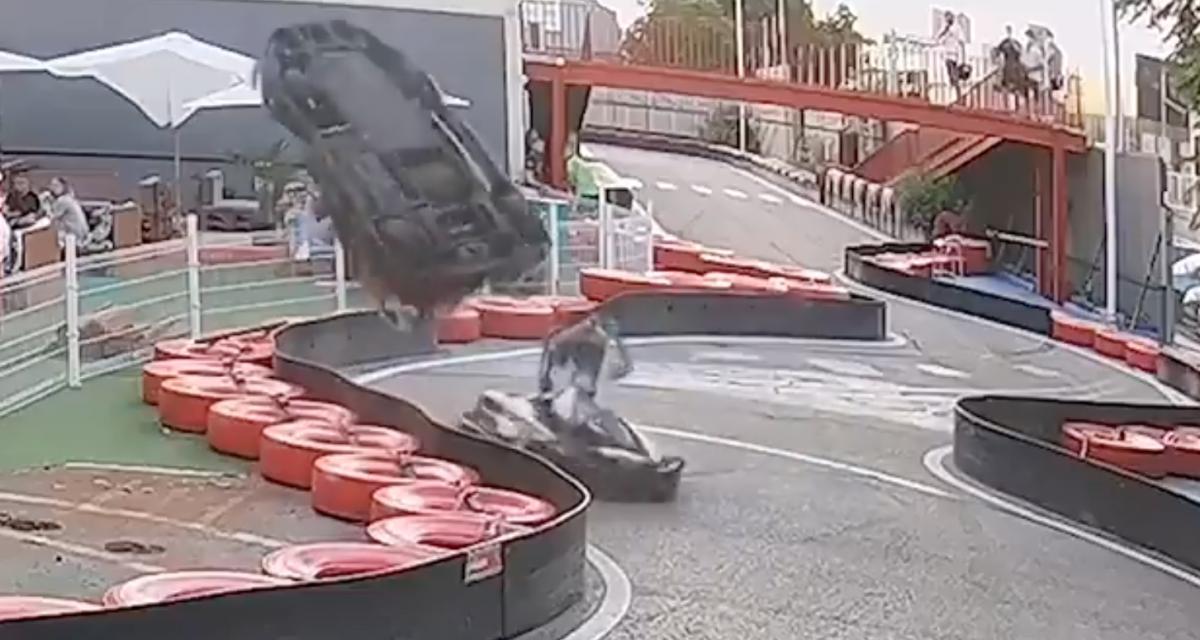VIDEO - La petite course de karting se termine en salto avant