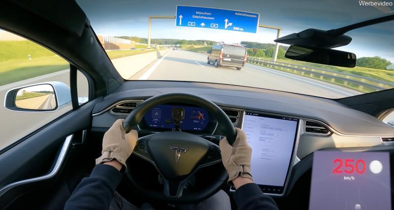 VIDEO - Il fait grimper le compteur de sa Tesla Model X à 250 km/h sans un bruit ou presque
