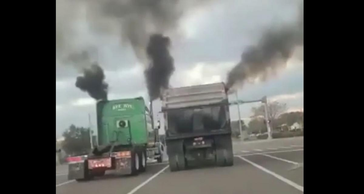 VIDEO - Quand deux camions font la course, c'est lent et ça pollue