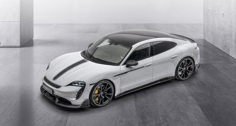 """Porsche Taycan Turbo S by Mansory : le préparateur """"carbonise"""" la berline sportive électrique"""