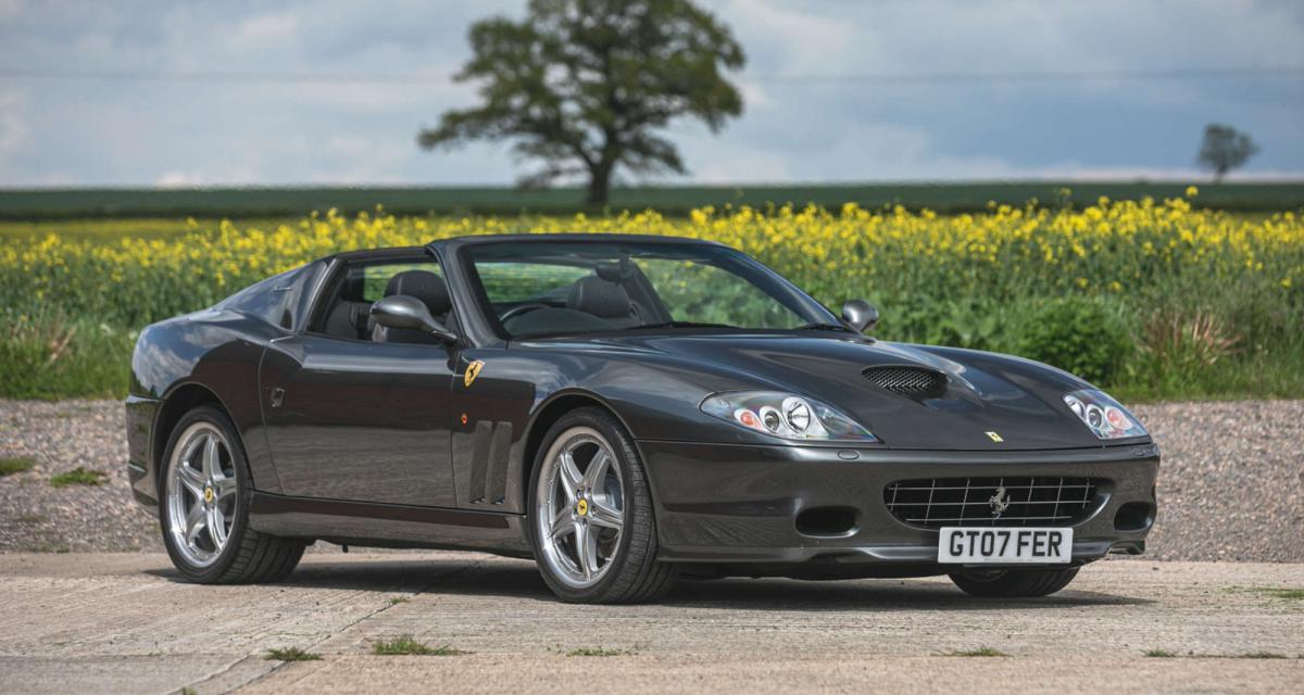 Ferrari 575 Superamerica : un toit en verre breveté conçu pour le plaisir des sens