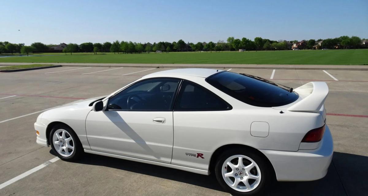Il vend son Acura Type R pour 50.000$ et se crashe avec la veille de la vente