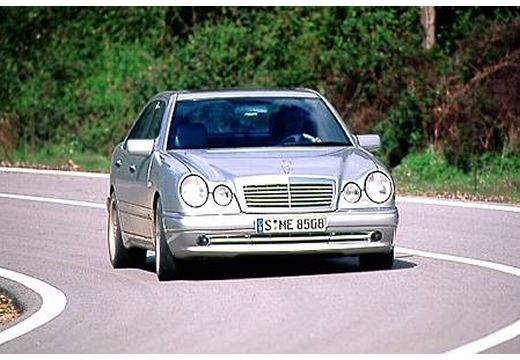 Fiche technique Mercedes e50 amg avantgarde a 4 portes d