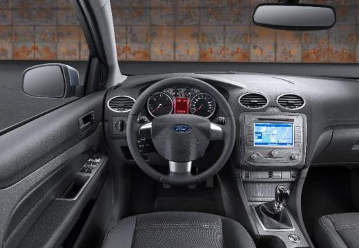 fiche technique ford focus 1 8 tdci 115 ghia 4 portes d 39 occasion fiche technique avec. Black Bedroom Furniture Sets. Home Design Ideas