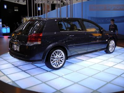 Opel Signum 2005