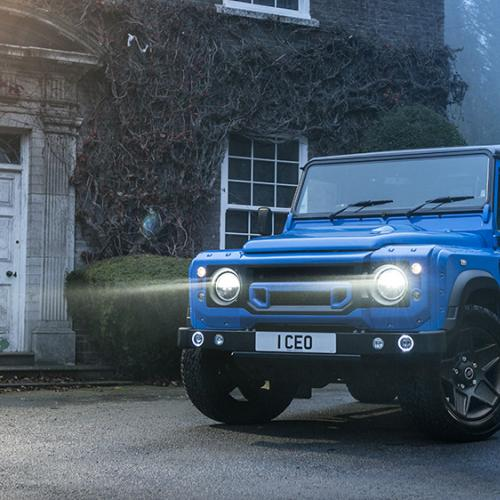 "Land Rover Defender ""The End"" par Kahn"