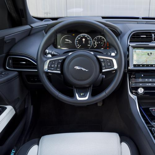 Jaguar XE 25t Ingenium AWD (essai - 2017)