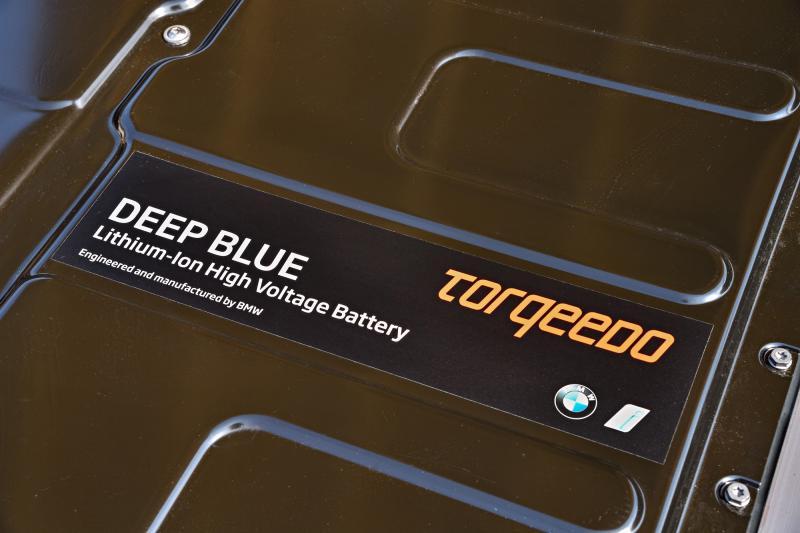 BMW i3 - Torqeedo Deep Blue