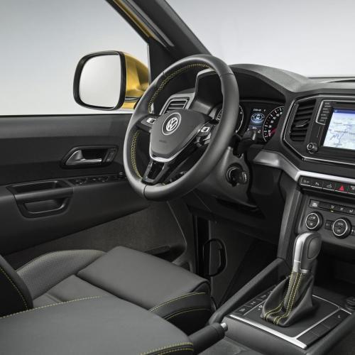 Volkswagen Amarok Aventura Exclusive Concept et Dark Label