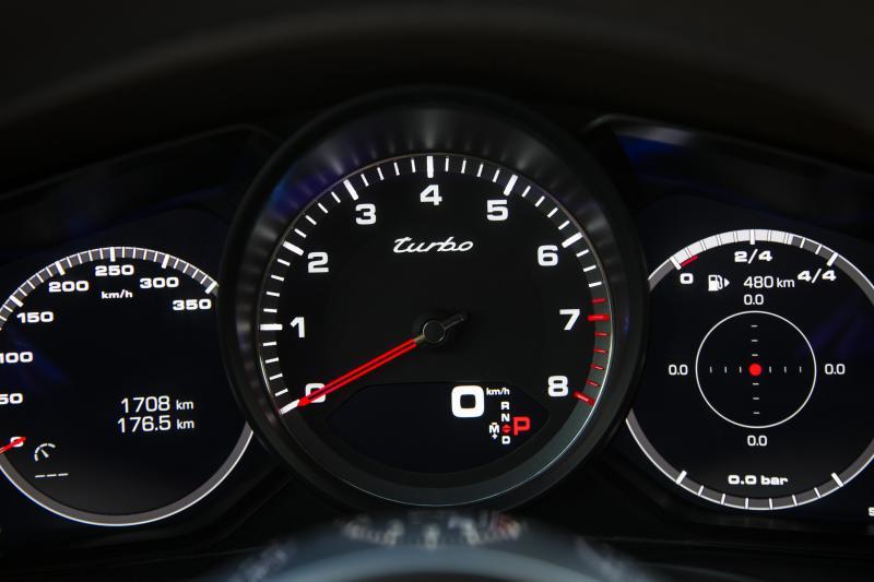 Porsche Panamera Turbo Sport Turismo (essai - 2017)