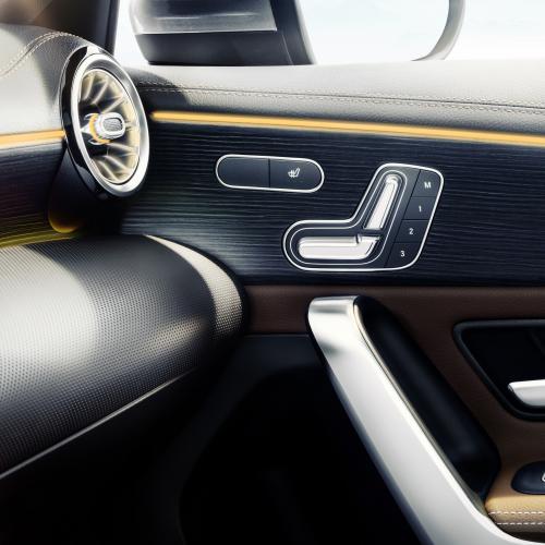 Mercedes Classe A intérieurs (officiel - 2017)