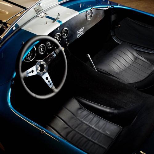 Les Shelby Cobra 289 et Daytona reviennent temporairement en production