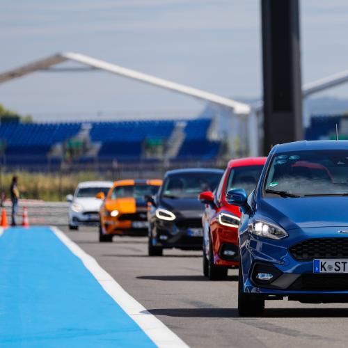 Ford Fiesta ST sur le circuit du Castellet