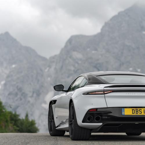 Aston Martin DBS Superleggera   les photos de la version White Stone