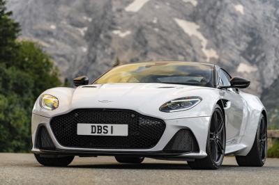 Aston Martin DBS Superleggera | les photos de la version White Stone