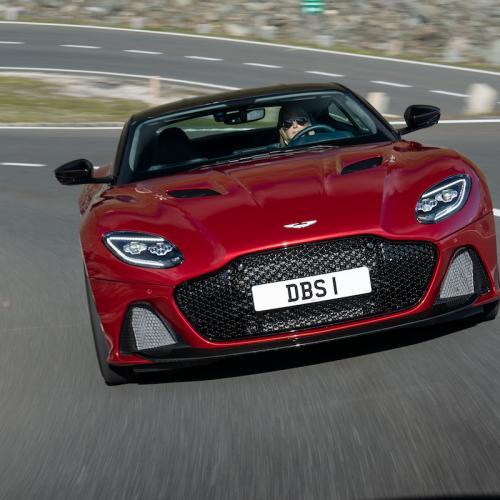 Aston Martin DBS Superleggera   les photos de la version Hyper Red