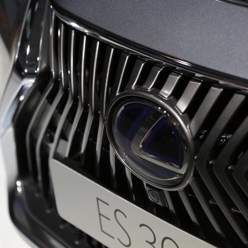 Lexus ES 300h   nos photos depuis le Mondial de l'Auto 2018