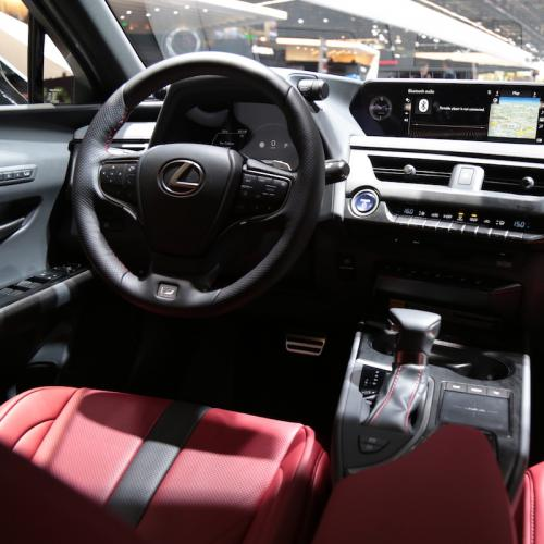 Lexus UX 250h | nos photos depuis le Mondial de l'Auto 2018