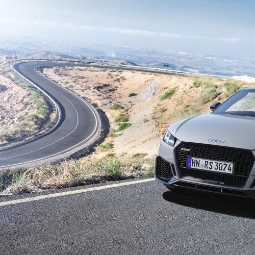 Audi TT RS restylée | les photos officielles de la version Roadster