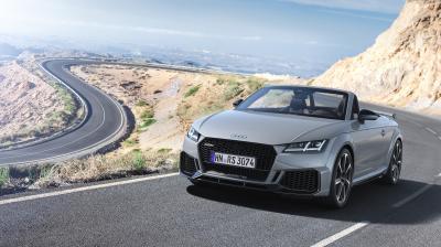 Audi TT RS restylée | les photos officielles de la version Roadster
