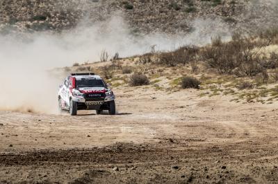 Fernando Alonso au volant du Toyota Hilux | les photos de l'essai en Afrique du Sud